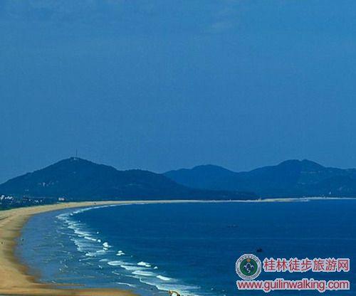 品尝当地的小吃,10:30下车集合前往阳江市海陵岛,12:30到达北洛湾扎营